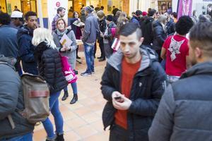 Första timmen kom 900 jobbsökande till jobbmässan som arrangerades av Arbetsförmedlingen och ett 30-tal arbetsgivare.