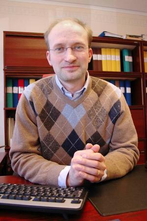 Bergs nye ekonomichef, Ralf Westlund, är van att arbeta fram sparpaket. Innan han började i Berg jobbade han på länets landsting. Hans sista arbetsuppgift där var att tillsammans med de övriga på ekonomifunktionen ta fram det sparpaket på  177 miljoner som presenterades förra veckan.