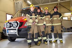 Erik Helberg, Karl Axelsson, Mattis Löfvenberg och David Elvinsson, deltidsbrandmän på Alnö, vill ha bättre villkor.