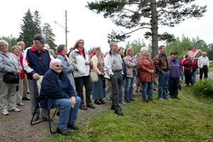 Mycket folk. Ulriksberg fyrdubblades när den 150 åriga kvarnen återinvigdes efter fem års jobb av 30 eldsjälar. Foto:Gunne Ramberg
