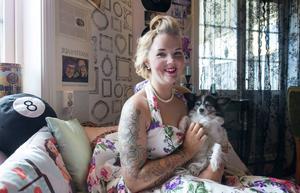 Vattjomstjejen, Emma Olsson, är på väg att förverkliga drömmen om att starta eget. Här har hon sin