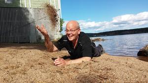 En parkgeneral på välbekant mark. Anders Callmyr tar sig an en ny sommar i Långnäsparken med samma entusiasm som alltid.