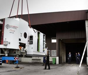 Arbetarna på Trima kan bara se på när maskinerna hämtas och körs till andra fabriker i Sverige.