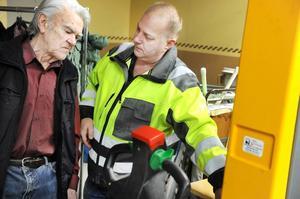 – Säkerhet är det viktigaste, det är A och O, visar utbildaren Tomas Brånedal.