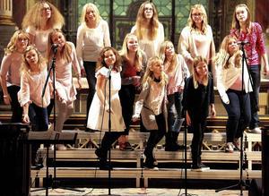 Gruppen Hudik Soul Children medverkade i Gospelnight i Jakobs kyrka på fredagskvällen.