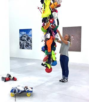 Konstmuseet fick in så mycket sportgrejer att allt inte kunde användas.