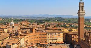 I Siena här på Piazza del Campo utspelar sig den kända traditionen och folkfesten Il Palio.