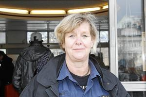 Det finns ingen röd tråd kring hur och när bränderna och stölderna sker, förklarar kommunpolisen Carola Wiklund. Foto: Therése Söderlund