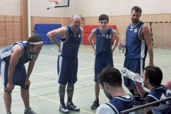 Trötta men glada vinnare i Härdal basket