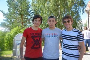 Brian Verschoore, Efe Özgümüs och Mehmet Basri Beyazit som blivit vänner under resan.