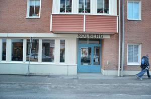 Äldreboendet Solberg har vanligtvis en del besökare på sin mötesplats, men under julhelgen ekade lokalerna tomma på grund av ett renoveringsarbete.