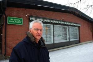 Ny ingång. Här föreslår Olov Holm att kommunen skulle bygga en ny entré in till Tjädernhuset.