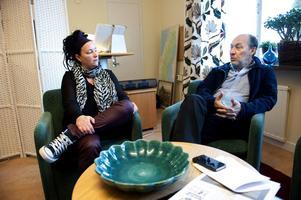 Kristina Eld och Börje Eriksson anser att stafettläkare mobbas - av politiker, media och vården.