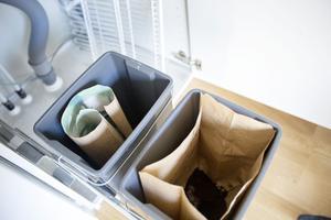 Kompost och återvinning. Någon påse med brännbart behövs inte.