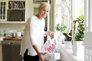 Maria Westin bor i Hagaström med sin familj. Grannar har redan lämnat in kassar med förnödenheter som hon ska ta med till Grekland.