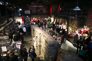 Allt från folkdansgille till pepparkaksbak mötte besökarna i det första stora rummet.