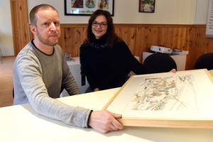 Bullas Jonas Jansson och Camilla Collett berättar om processen bakom illustrationen som snart kommer finnas i tusentals exemplar.
