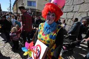 Clowner mot nazism ingår i nätverket