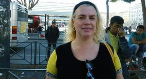 – Vi är inte rädda, säger Marit Stub Nybelius som befinner sig i Rom på resa tillsammans med maken Henrik Stub.