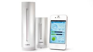 En väder- eller miljöstation kopplad till telefonen ger dig koll på så väl utomhus- som inomhusmiljön på distans. Exempel: Netatmo, pris 1 599 kronor.