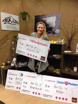 Klara Tangen Jansson på Åre gymnasieskola vann hela tre priser i tävlingen om bästa UF-företag som arrangerades i Östersund.