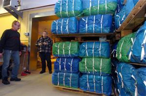 Erikshjälpen har fått in mängder med kläder till behövande i Lettland.