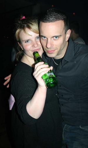 Blue Moon Bar. Sandybell och Daniel