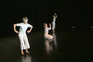 Olivia Löfvander Stribeck deltog med sin koreografi Reminiscence, som dansades av henne själv, Leonora Ekström och Lara Maria Fernández Kassies.