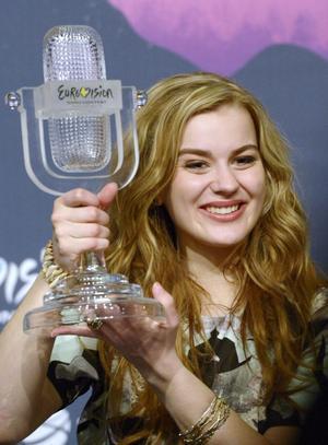 Förra årets vinnare av Eurovision Song Contest var danska Emmelie de Forest.