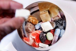 Ulrika Söderlund tipsar om att låta bli att köpa hem sötsaker för att förenkla för sig själv.