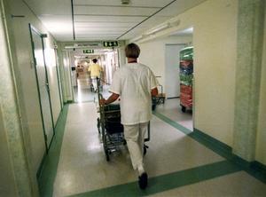 Sjukvården i länet har det senaste året bytt ut majoriteten av sina högsta chefer - divisionscheferna.