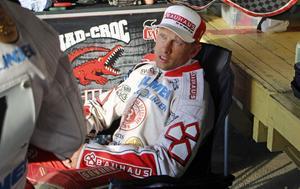Rospiggarnas Andreas Jonsson slutade sist i semifinalen i EM-premiären i speedway.