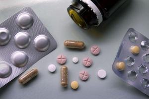 En läkare i Västerås kritiseras av IVO efter att ha skrivit ut läkemedel till en patient utan att ha den rätta behörigheten.