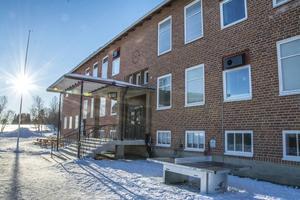 Ångsta skola blir för dyr att åtgärda, anser tjänstemännen. Den liksom Fåkers skola kan komma att samordnas i  Tandsbyn.