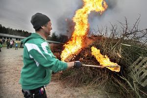 Peter Svärd fick eld på brasan vid första försöket.