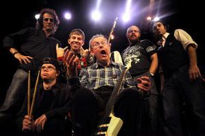Phil's riders of the Storm, UppsalaPhil´s Riders bildades ca 2004. Bandet är uppbyggt runt sångaren och gitarristen Filip Backström och hans stora repertoarkännedom inom den lite tuffare rockmusiken. Filip frontar bandet tillsammans med sångerskan Petra Svensson. Reportoaren består av klassisk tyngre rock, allt från Rolling Stones & CCR via Jimi Hendrix till grupper som Black Sabbath, Deep Purple, Uriah Heep, Zeppelin, Dio, Judas Priest och många fler. Ett utspel med närvaro och intensitet utmärker bandets ledarfigurer.