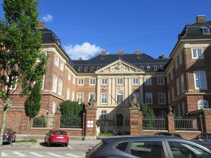 Länsmuseets danska syskon i Köpenhamn. Donatorn Antoine Rettig ville att byggnaden i Gävle skulle likna hennes systers palats.