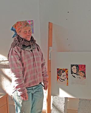 Åsa Maria Hedberg arbetar mycket med mosaik.