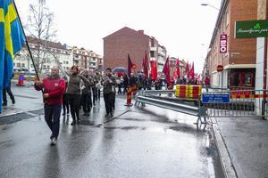 S-demonstrationen leddes av Ted Persson från LO-distriktet i Mellersta Norrland och Östersund Symphonic Band. Vid Folkets Bio Regina fick de göra en högerutvikning.