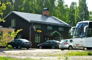 Karlsro flyers uppger att man haft skadegörelse vid klubbstugan i Ljungaverk.
