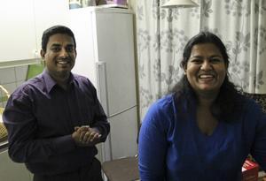 Mandalawilli Sagara och Angurukumbure Weerasekara hade förberett mat och dryck till besökarna på Bruksgatan.
