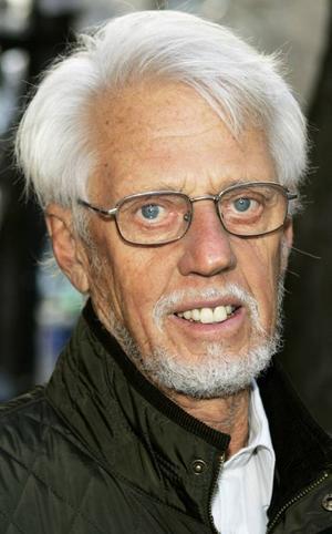 Göran Winberg,77 år, Östersund:– Ja det är jag, både här där jag bor och i fritidshuset i Gräftåvallen. Men ibland uppe på fjället, mot Östfjället, så hittar mobilen inte sändarna och laddar ur.