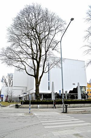 V-Dalas nationshus i Uppsala är ritat av den finländske arkitekten Alvar Aalto.