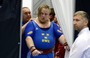 Niklas Pettersson från Bollnäs tävlade också under fredagen, men bommade ut sig i tre misslyckade lyft.