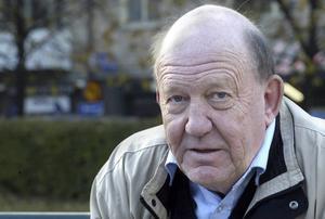 Lars Bryner är upprörd över att inkassobolag inte lämnar kontrolluppgifter till Skatteverket så skuldsatta får ränteavdrag.