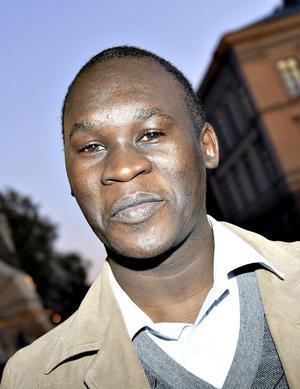 """SKILLNADER. Timothy Nkata Sendi ville plugga i Sverige för att uppleva en anna kultur. """"Lagom, det är svenskt. Alla måste få något, jag gillar det"""", säger han."""