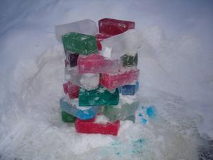 Den kalla vintern har varit perfekt för att leka med is.