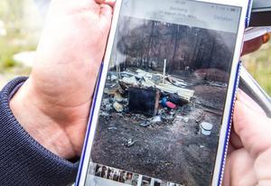Systrarna Jessika Liik, Johanna Rask och Jenny Höglund förlorade sin farfars stuga i branden. Fotograf: Siri Lallerstedt