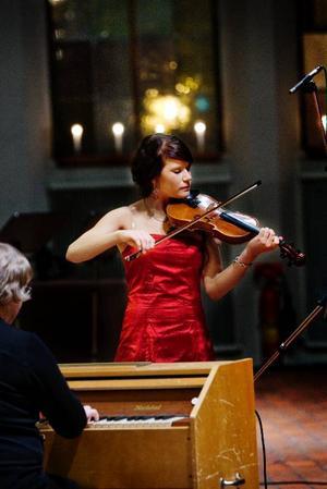 Alexandra Björklund spelade bland annat en Rättvikspolska på sin fiol.