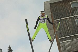 Sebastian de Wall från hemmaklubben Sollefteå imponerade och vann i både 50- och 92-meters backen.